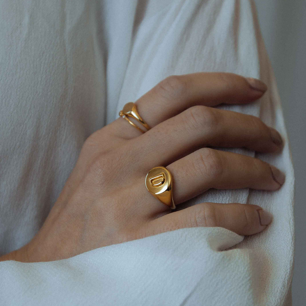Ayla Round Initial Signet Ring - Gold Plating - 2
