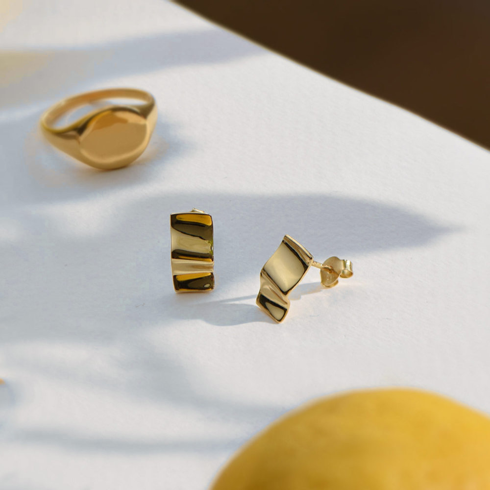 Catching Waves Stud Earrings - Gold Plated - 1