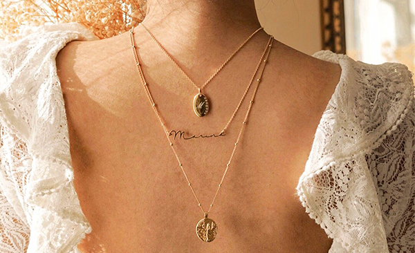 Luna Oval Necklace