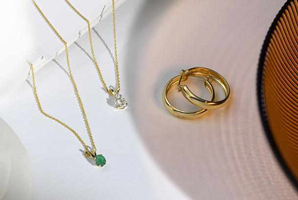 Emerald Pendant Necklace-14K Gold